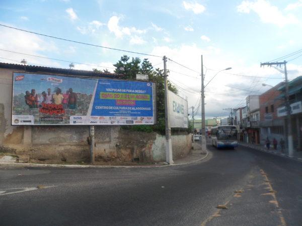 Placa 28: Rua 13 de Maio, próxima do CEPROC 1