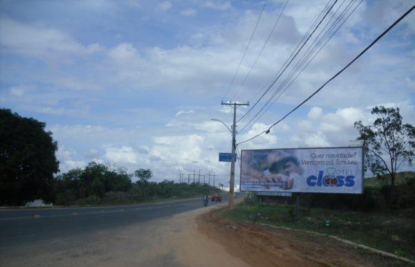 Placa 32: Rua Paulo Afonso, próxima da Vipal Reformadora de pneus (entrada da cidade)