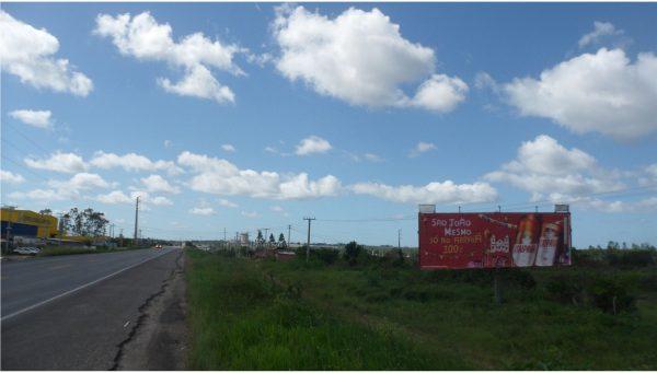 Placa 08: Rodovia BR-101, Hotel Turístico (1) – Entrada da Cidade
