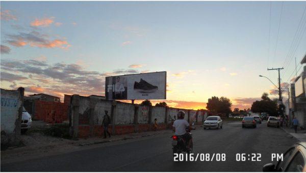 Placa 27: Rua Quintino Bocaiúva, Ferro-velho Exército de Cristo – Sentido Bairro